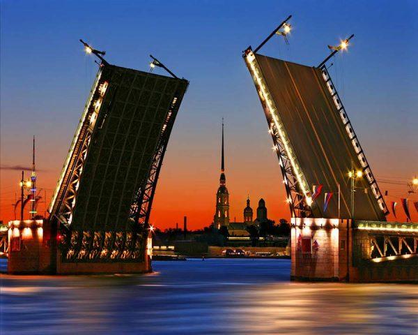 Экскурсии в Питер из Москвы