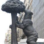 Символ Мадрида - Медведь и земляничное дерево.