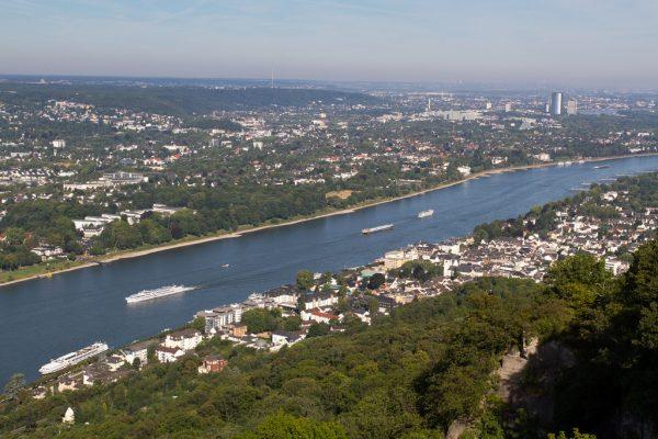Вид на реку с территории замка  (photo by Ben Kempner)