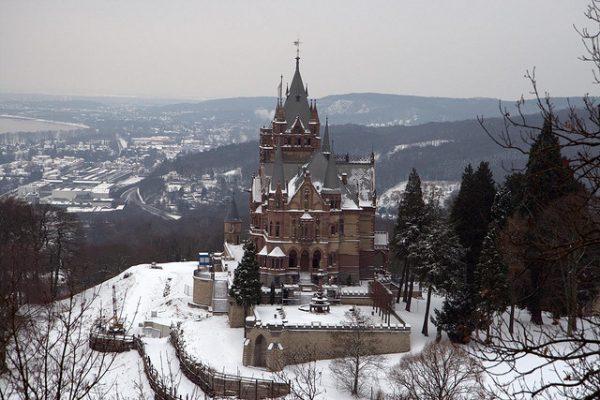 Замок Драхенбург зимой (photo by Exposer)
