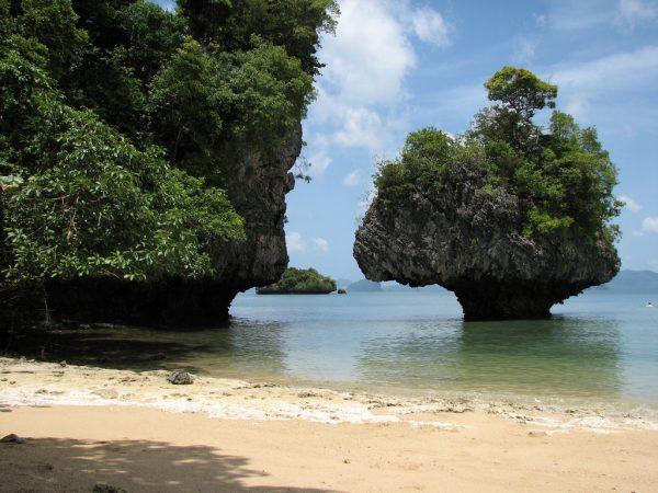 Остров Краби в Тайланде (photo by dlaskaridis)