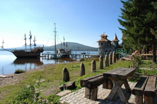 Отдых на озере Зюраткуль